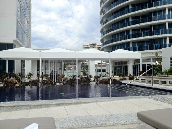 Hilton Surfers Paradise Hotel: Pool