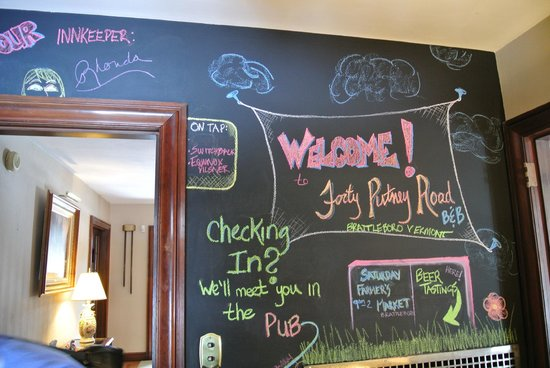 Forty Putney Road Bed and Breakfast: Chalk/message board