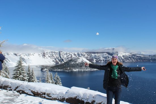 Crater Lake Lodge: I get to play in the snow for the first time.
