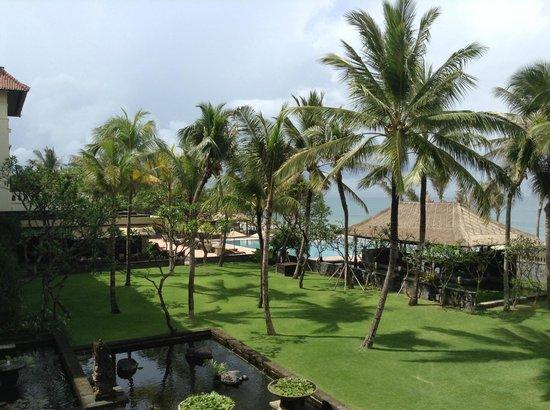 The Legian Bali: Hotel Grounds