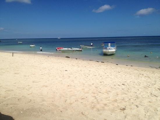 Le Meridien Ile Maurice: on the beach...now