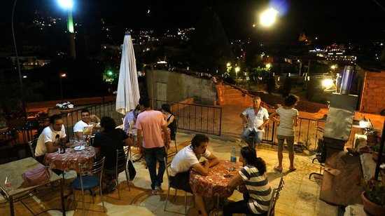 Caravanserai Cave Hotel: BBQ in terrace