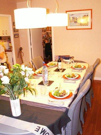 La Maison des 3 Plages : table d'hôtes dans notre salle à manger