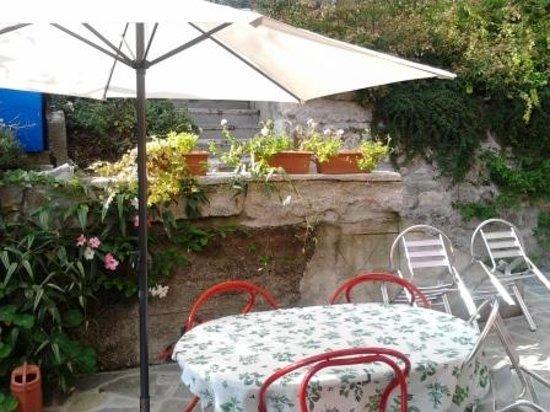 Casa Cantoniera Como: colazione al sole