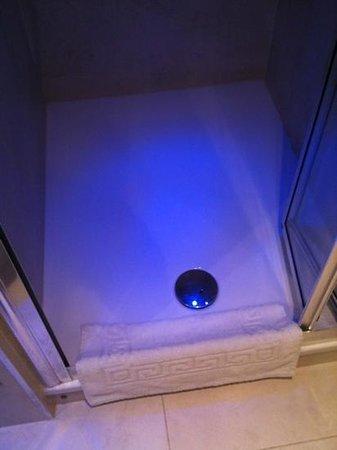 Rhodes Hotel: piatto doccia