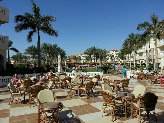 Tropicana Azure Club: From reception to the pool view