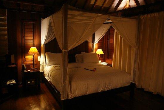 Conrad Bora Bora Nui: ベッドルーム。
