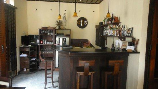 Saynamkhan Hotel: Restaurant bar