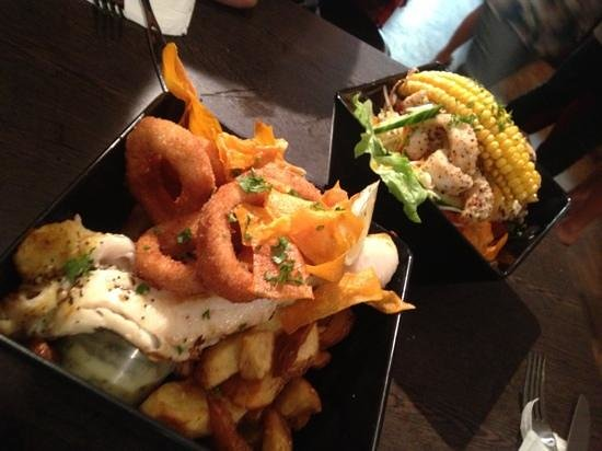 Fishmongers Byron Bay: 'Monger's basket' and 'salt and pepper squid with salad'