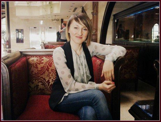 Crowne Plaza Hotel Antalya: 04.03.2013 Lobbi'de çay zamanı.