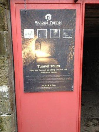 Victoria Tunnel: entrance