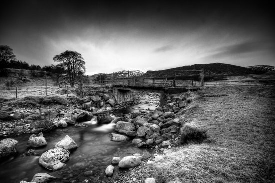 The Craigerne House Hotel: Darlach Bridge at the top of the Glen, Netwonmore
