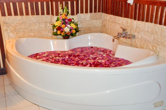 Tanjung Benoa, Indonesia: Flower bath