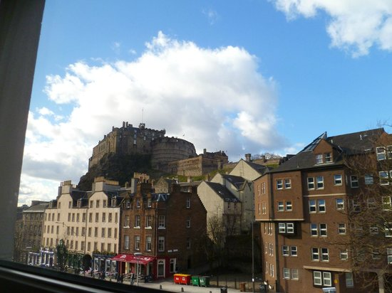 Apex City of Edinburgh Hotel: View from room