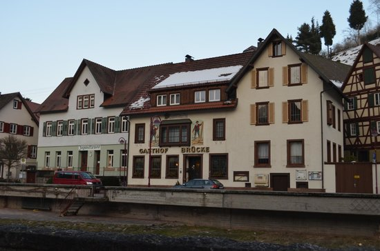 Zur Alten Brucke: View of the hotel rom the opposite bank of the river