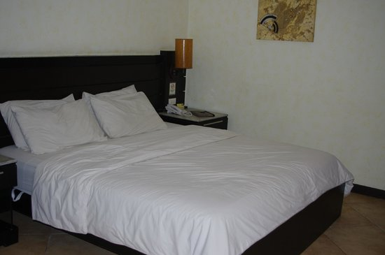 MO2 Westown Hotel Bacolod - Downtown: Bed