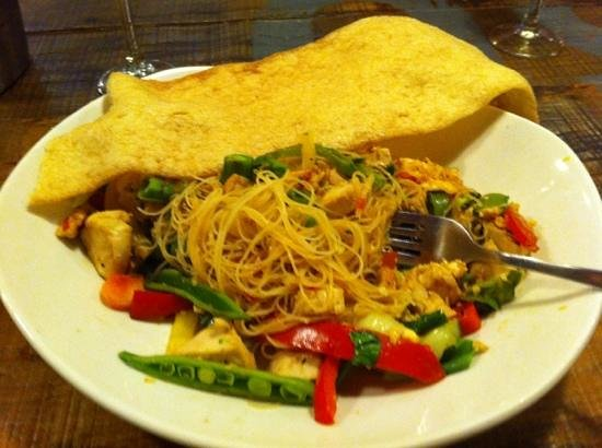 All Bar One York: pad Thai noodles with chicken and giant prawn cracker