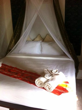 Anankhira Boutique Resort: -