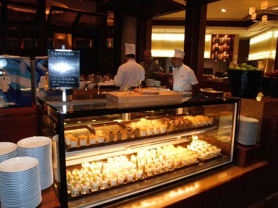 Shangri-La Hotel Guilin: Buffet