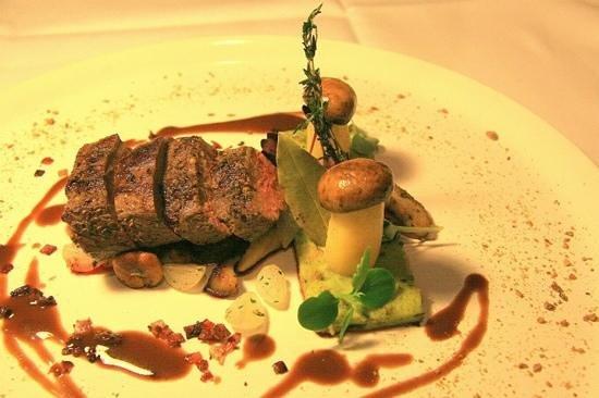 Kulinarium 7 - TEMPORARILY CLOSED: Foto einer Hauptspeise
