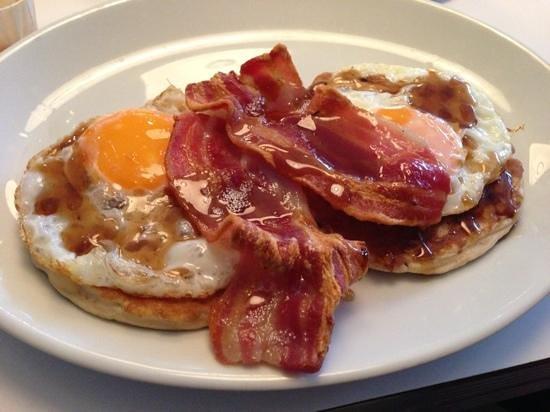 7 Hotel Diner: Breakfast. YUM.