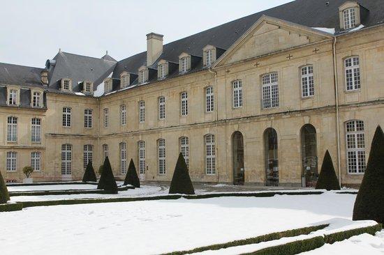 Caen Abbaye aux dames bâtiment