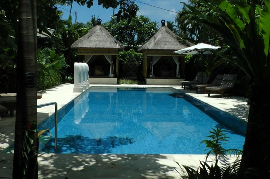 Villa Tanjung Mas: Zwembad met nieuwe beelden