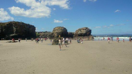 Playa de las Catedrales: mas playa