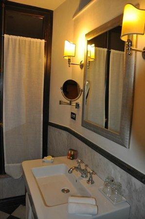 VOI Donna Camilla Savelli Hotel: Baño