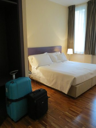 SuiteDreams Hotel: Spacious room