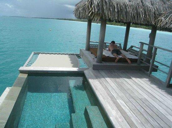 Four Seasons Resort Bora Bora: Plunge + Cabana