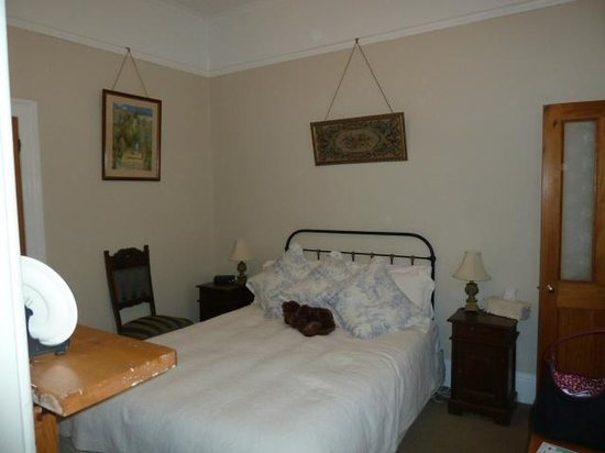 Ashton Gate Guest House: Room 5 bedroom