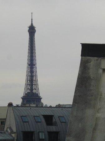 Hotel Etoile Saint-Honore by HappyCulture: Vue de la terrasse de la suite