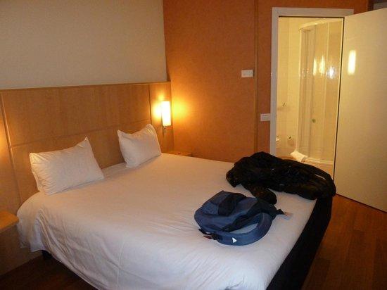 Ibis Milano Malpensa Aeroporto: camera standard hotel