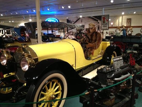 The Car and Carriage Caravan Museum: 1914