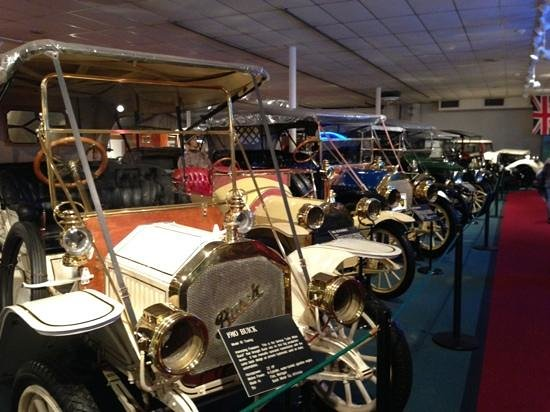 The Car and Carriage Caravan Museum: Row of classics