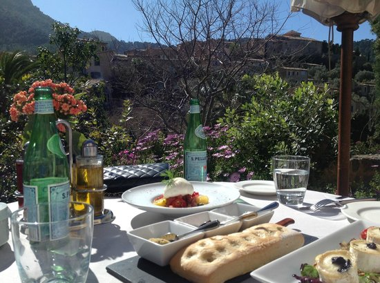Belmond La Residencia: Lunch on the terrace