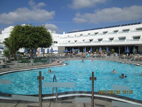 Hotel Lanzarote Village: POOL