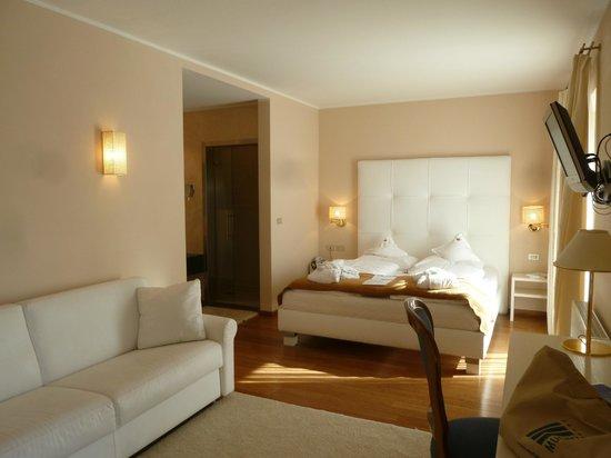 Hotel Muchele: weisses Zimmer