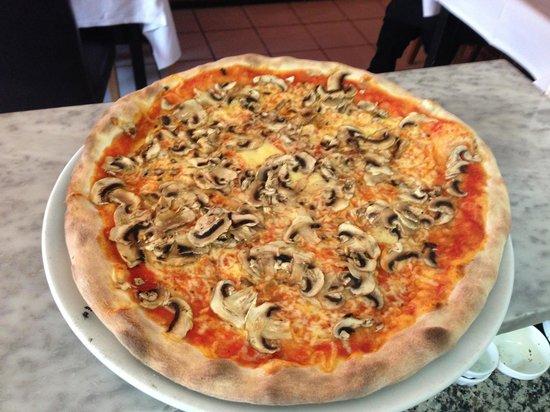 Il Rustico: Pizza funghi