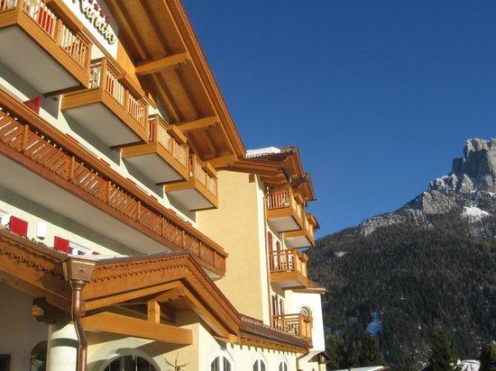 Family Wellness Hotel Renato: Hotel Außenansicht
