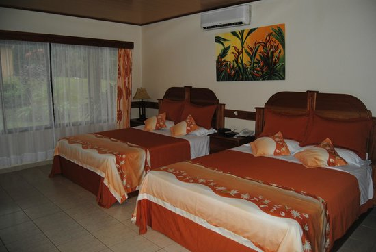Los Lagos Hotel Spa & Resort : Rooms