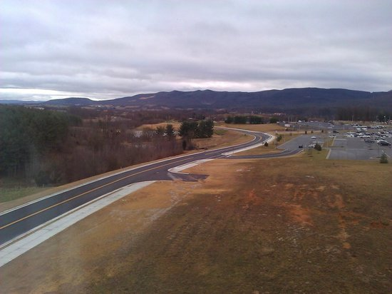 Country Inn & Suites By Carlson, Wytheville: Room view East