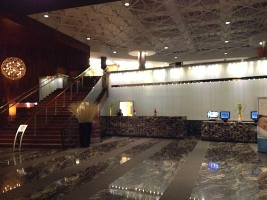 Old Bay Restaurant: lobby