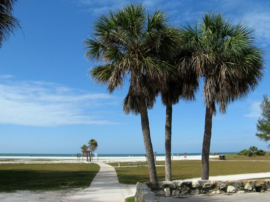 Fort de Soto Park Campground: Beach