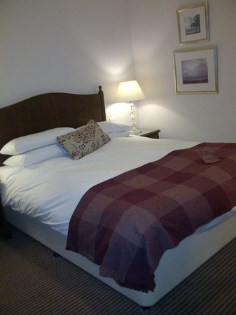 The White Horse Hotel, Dorking: Bedroom