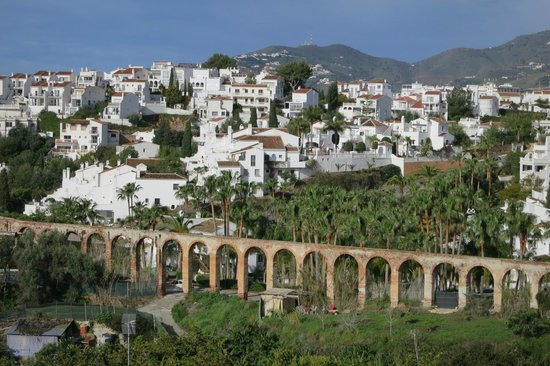 Nerja Club: View on the pleasant walk to the Caves