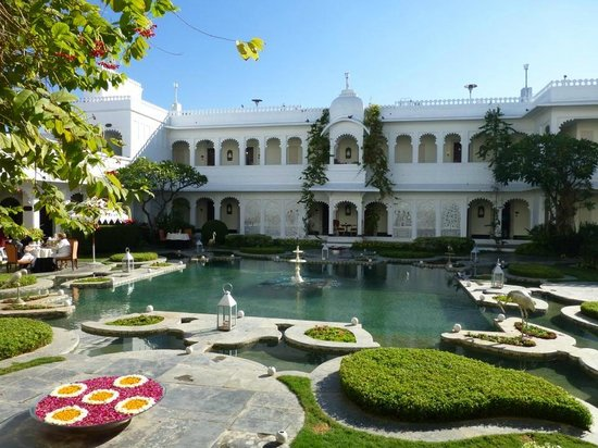 Taj Lake Palace Udaipur: The garden