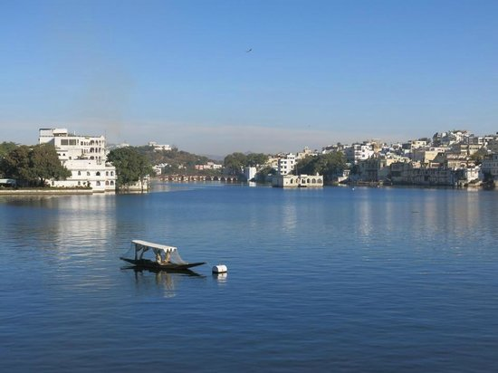 Taj Lake Palace Udaipur: View of the Lake Pichola from the rooftop