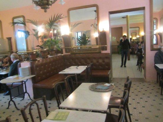 Le Café de la Place : Innenansicht
